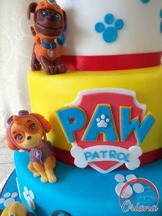 Torta Paw Patrol | paw patrol cake fondant Sky http://blog.giallozafferano.it/crociedeliziedioriana/2015/03/torta-paw-patrol.html