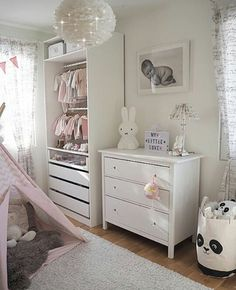 182 Likes, 3 comments – KIDS AND … – toptrendpin. Baby Room Colors, Baby Room Themes, Baby Room Neutral, Baby Room Boy, Baby Bedroom, Girl Room, Bedroom Small, Baby Rooms, Baby Room Ideas Early Years