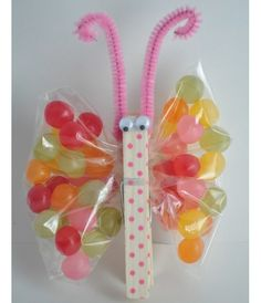 DIY Butterfly Party Favor ~ Made with painted clothes pin, googly eyes, pipe cleaner & a sandwich bag filled with treats ~ cute for Easter baskets Spring Crafts, Holiday Crafts, Holiday Fun, Holiday Ideas, Kids Crafts, Craft Projects, Bunny Crafts, Easter Projects, Craft Kids