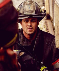 Taylor Kinney chicago fire contract