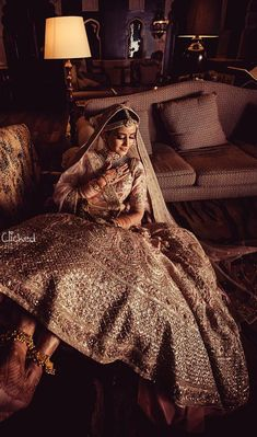 Want your wedding look to be highly unique? We're talking about Indian blouse paired with a gold skirt! Big Fat Indian Wedding, Indian Wedding Outfits, Bridal Outfits, Indian Outfits, Bridal Dresses, Indian Weddings, Wedding Lehnga, Indian Bridal Lehenga, Wedding Wear
