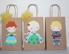 Frozen Fever Party Favor Bags by CelebrationGoods on Etsy Anna Frozen, Frozen Princess, Disney Frozen Birthday, Frozen Party, Pixie Hollow Party, Festa Frozen Fever, Frozen Characters, Party Favor Bags, 2nd Birthday Parties