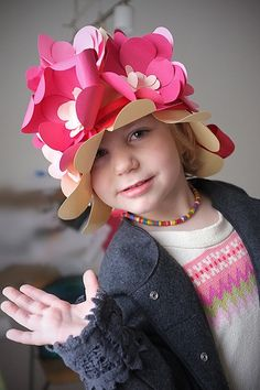 Fun DIY Floral Paper Hat for Kids from Handmade Charlotte. Good for hat day at school Crazy Hat Day, Crazy Hats, Cool Baby, Projects For Kids, Diy For Kids, Crafts For Kids, Fancy Nancy, Fancy Hats, Kids Hats