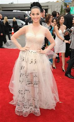 Katy Perry arrives at the 56th annual Grammy Awards in Valentino on January 26, 2014.