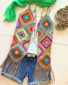 Crochet cardigan sweater pattern granny squares 35 Ideas for 2019 Gilet Crochet, Crochet Coat, Crochet Jacket, Crochet Cardigan, Crochet Granny, Crochet Shawl, Crochet Clothes, Crochet Vests, Crochet Bodycon Dresses