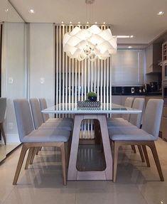 Living de jantar lindo assinado pela arquiteta @renatamosena com destaque pro lustre deusoooo #decoredecor #somosconteudo_