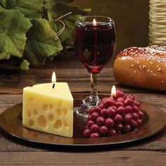 CC Home Furnishings Pack of 3 - Merlot Scented Wine Cheese & Grape Novelty Candle Gift Sets Wine Decor Cute Candles, Unique Candles, Best Candles, Diy Candles, Scented Candles, Grape Kitchen Decor, Candle Art, Candle Lighting, Wine Decor