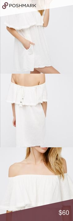 NWT Free People Serefina off the shoulder dress NWT Off the shoulder Free People dress! Super cute back detail and the best part- it has pockets!! It's super cute and boho- perfect for day or night! Free People Dresses Mini