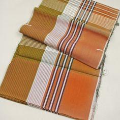 Futon patterned kimono cloth,. Antique / 敷布団にお仕立て可能な少々古い木綿素材の反物    #Kimono #Japan http://global.rakuten.com/en/store/aiyama/