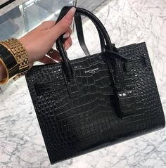 Find tips and tricks, amazing ideas for Prada handbags. Discover and try out new things about Prada handbags site Trendy Handbags, Black Handbags, Tote Handbags, Purses And Handbags, Leather Handbags, Handbags For Women, Cheap Handbags, Leather Bags, Luxury Purses