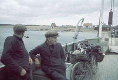 1938. Två män ombord på färja. Fotograf: Lundh, Gunnar