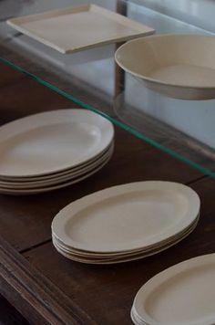 常設展示:吉田次朗さん Slab Pottery, Ceramic Pottery, Ceramic Bowls, Ceramic Art, Zen Kitchen, Sculpture Clay, Ceramic Sculptures, Kitchenware, Tableware