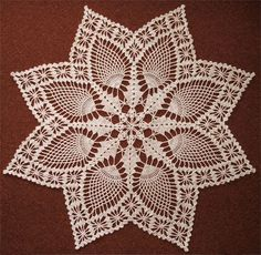 #SNOWFLAKE-PINEAPPLE Doily (can't find pattern)