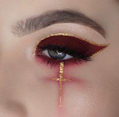Looking for for ideas for your Halloween make-up? Browse around this site for creepy Halloween makeup looks. Gothic Makeup, Edgy Makeup, Eye Makeup Art, Crazy Makeup, Fantasy Makeup, Cute Makeup, Makeup Goals, Pretty Makeup, Makeup Inspo