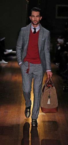 Michael Bastian presented his Fall/Winter 2014 collection during New York Fashion Week, featuring elegant looks with Eastern influences. Michael Bastian, Gentleman Mode, Gentleman Style, Suit Up, Suit And Tie, Sharp Dressed Man, Well Dressed Men, Style Simple, Stylish Mens Outfits