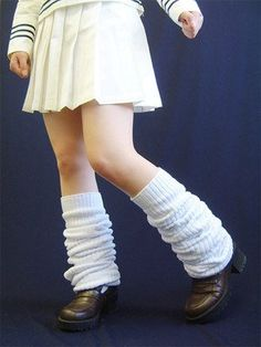 Yes ... Leg warmers still are popular in Japan, especially by Japanese school girls! You can see them everywhere!!!