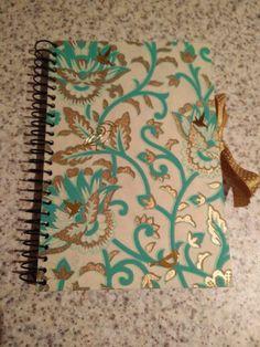 Cuaderno con papel artesano nepalí.