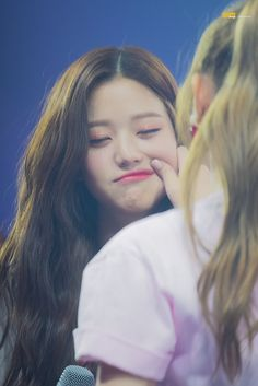The chubby cheeks are wonyoung Kpop Girl Groups, Kpop Girls, Jang Wooyoung, Woo Young, Japanese Girl Group, Chubby Cheeks, Fandom, Kawaii, Ulzzang Girl