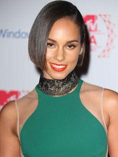Alicia Keys Short Bob  #AliciaKeys #Short #Hair #Style #Bob #Brunette #Straight #GetTheLook #GetInspired #Bbloggers