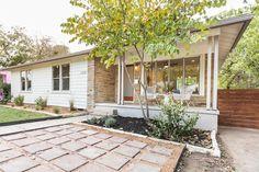 3208 Cherrywood Austin Design and Staging, exterior Mid Century Modern porch, modest ranch