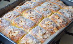 6 Secrets Of How To Bake The Perfect Cupcake - Novelty Birthday Cakes Easy Vanilla Cake Recipe, Easy Cake Recipes, Sweet Recipes, Dessert Recipes, Finger Desserts, Small Desserts, Czech Desserts, Kolache Recipe, Novelty Birthday Cakes