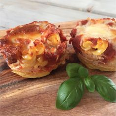 Lasagna muffins with 3 kinds of cheese Baby Food Recipes, Dinner Recipes, Danish Food, Food Inspiration, Kids Meals, Tapas, Food To Make, Muffins, Food And Drink