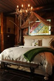 Love this cabin decor.