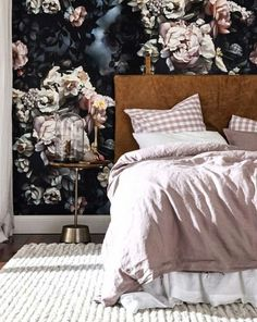 Possibly the most striking work I laid eyes on this year 🙌 Our PIPER bedhead exquisitely styled by NC Interiors with magnificent Ellie Cashman Design wallpaper and Society of Wanderers Linen from Greenhouse Interiors!