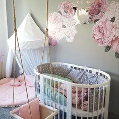 """Unsere Rosen duften zwar nicht - sehen dafür aber umso schöner im Kinderzimmer aus. Das Wandtattoo """"Rosa Rosen"""" gibt es in unterschiedlichen Größen. #wandtattoo #rosen #kinderzimmer #newborn #baby #wandschmuck Rosa Rose, Cribs, Baby, Inspiration, Furniture, Home Decor, Little Princess, White Wardrobe, Wall Decorations"""