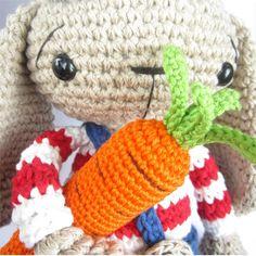 Crocheted Carrots - Free Amigurumi Pattern PDF
