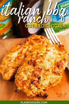Italian BBQ Ranch Grilled Chicken Recipe - simply 4 ingredient recipe! Let the chicken marinate all day in this yummy mixture for the yummiest, juiciest chicken ever! Leftovers are great on top of a salad, in a quesadilla, or on top of a yummy flatbread. #chicken #marinade #easy #grilled Grilled Chicken Marinade Easy, Grilled Chicken Recipes, Chicken Marinate, Shredded Chicken Recipes, Chicken Meals, Keto Chicken, Healthy Chicken Recipes, 4 Ingredient Recipes, Great Recipes