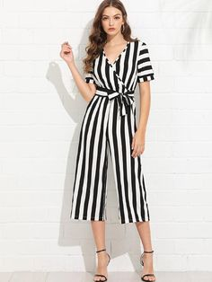 Shop V Neckline Self Tie Waist Striped Jumpsuit online. SheIn offers V Neckline Self Tie Waist Striped Jumpsuit & more to fit your fashionable needs. Wrap Jumpsuit, Jumpsuit Outfit, Striped Jumpsuit, Simple Outfits, Classy Outfits, Casual Outfits, Outfits For Spain, Pantalon Large, Suit And Tie