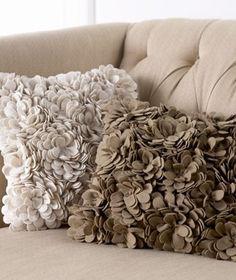 DIY:: Fabric flower pillows