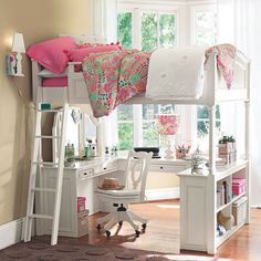 Cute set up for a girl. Nice for a smaller room.