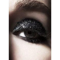Trendy nails black sparkle make up Black Sparkle, Black Glitter, Black Nails, Grey Eye Makeup, Glitter Eye Makeup, Glitter Eyebrows, Sultry Makeup, Dramatic Makeup, Eyebrow Makeup