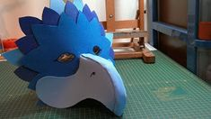 Ganxet de colors: REPTE GOMA EVA Mascarilla Diy, Bird Costume, Paper Mask, Puppets, Dinosaur Stuffed Animal, Birds, Costumes, Cosplay, Animals
