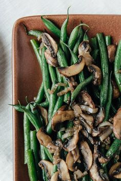 Stove Top Steam Fried Green Beans & Mushrooms by thekitchn #String_Beans #Mushrooms