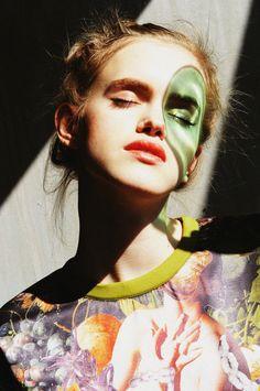 designer: LARA QUINT photographer: Anna Tea model: Mira Marchuk print-artist: Ashkan Honarvar   #laraquint #ashkanhonarvar #collage #fashioneditorial #ukrainianfashion #hannibal #art #inspiration #flowers #sweatshirt