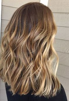 honey balayage bronde hair color idea