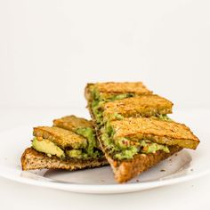 Avocado Tempeh Toast - the quick & dirty breakfast, lunch or dinner full of protein and fibre!