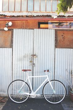 The Simply White Astor from Brilliant Bicycles   Built with the city rider in mind.