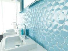 Big Brother 16 bathroom tile | Porcelanosa