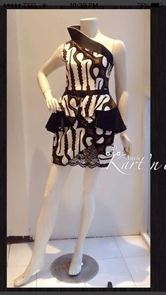 Simple Dresses, Pretty Dresses, Casual Dresses, Short Dresses, Kebaya Lace, Batik Kebaya, Blouse Batik, Batik Dress, Mode Batik