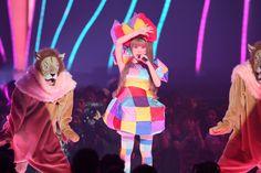 Kyary Pamyu Pamyu, rubik's cube outfit, and dancing lions