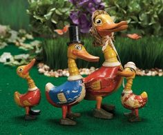 Raised by the Song of the Murmuring Grove: 43 American Wooden Quacky Doodles Family by Schoenhut from Raggedy Ann Books