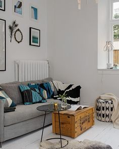 Neutral colours allow room for pops of colour to be injected from various other accessories