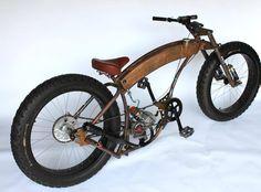 Badass. Looks like a Basman-esque homemade moped Bobber.