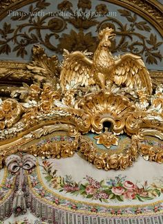 ♥♥ Versailles ♥♥ The Bed Chamber of Marie Antoinette Marie Antoinette, Chateau Versailles, Palace Of Versailles, Saint Michael, Baroque Architecture, Architecture Details, Luis Xvi, French History, Lion Of Judah