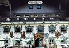 #Tradition mit viel #Herz im Hotel #WalchseerHof in #Tirol Restaurant, Austria, Around The Worlds, Mansions, House Styles, Places, Travel, Decor, Fine Dining
