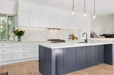 Romantic Large Open Plan Kitchen - Just in Place Blog Kitchen Island Bench, Large Kitchen Island, Kitchen Cabinets, Modern Shaker Kitchen, Shaker Style Kitchens, White Kitchens, Large Open Plan Kitchens, U Shaped Kitchen, Moving House